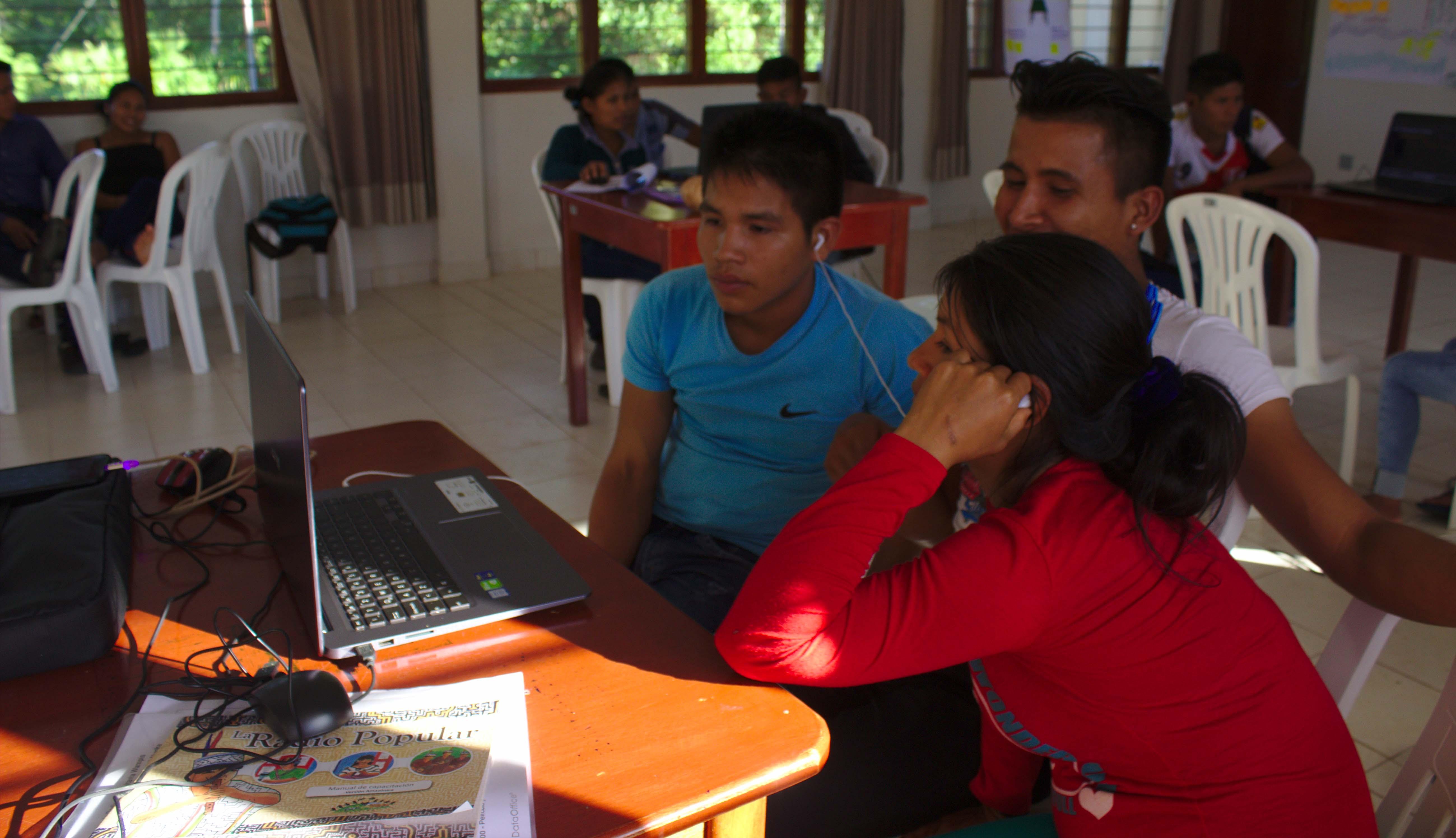 """La juventud Wampis expande su voz por medio de la Radio Comunitaria """"TUNTUI"""""""